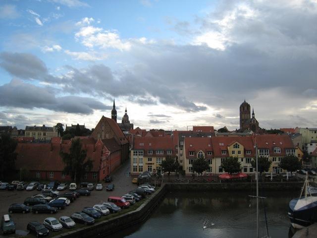 Stralsund im regen lostland vielweib on tour for Kuchen stralsund