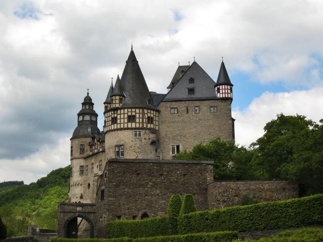 Eine Burg ist schöner als die andere in der Eifel