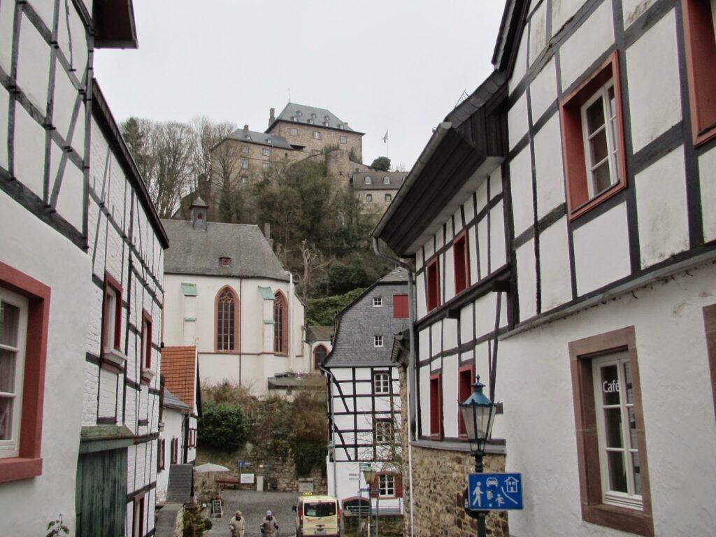 ahtal_roadtrip_blankenheim1 1