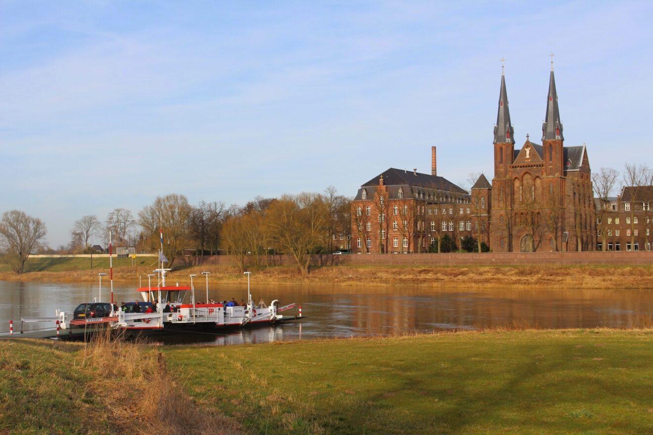 Steyl - Frühlingserwachen im Klosterdorf an der Maas