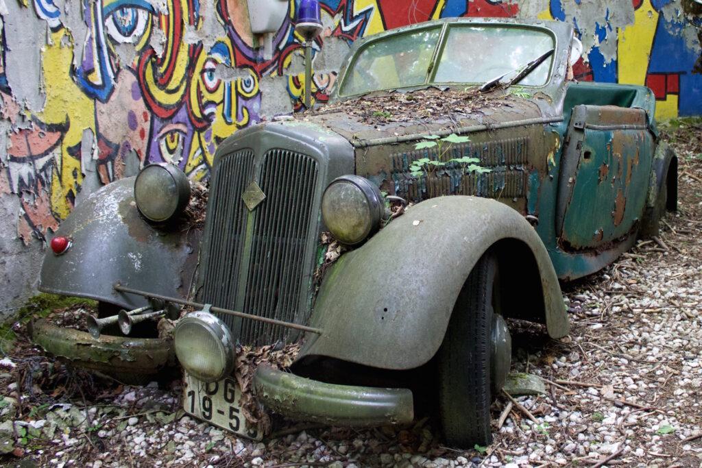 autofriedhof_vielweib_autoskulpturenpark_mettmann64