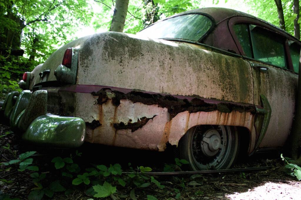 autofriedhof_vielweib_autoskulpturenpark_mettmann75