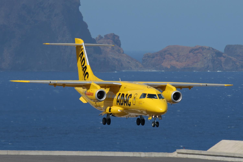 ADAC Gelbe Engel Reisevorkehrungen reisevorbereitungen Notfall was tun wenn im urlaub ein notfall passiert fliegende intensivstation