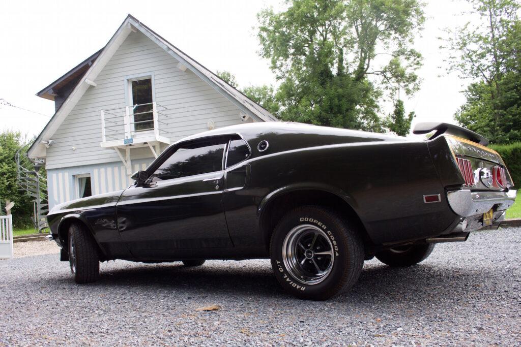 Mustang Ford Normandie Frakreich Urlaub Reise Roadtrip gitesinsolitesnormandie