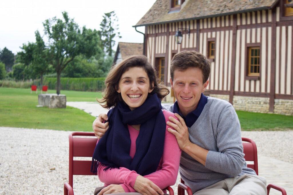 Von der Juristin zur Hotelbesitzerein: Camille Oeyen verwirklicht mit ihrem Mann ihren Traum Frankreich Normandie