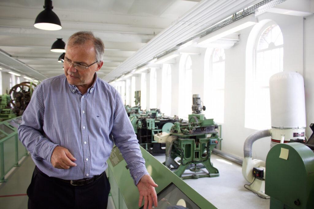 Didier Vrac: Vom Architekten zum Fabrikbesitzer ältesten Nadelmanufaktur Frankreichs Normandie urlaub Reise Ausflugsziel