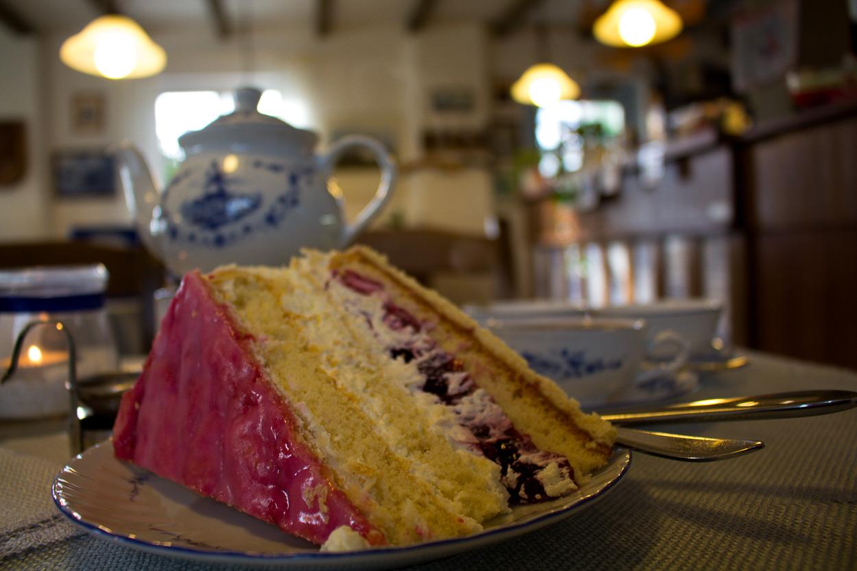 Die Holländertorte hat es mir heute angetan - Der Kuchen heißt so und es hat nichts mit der Mühlenart zu tun.