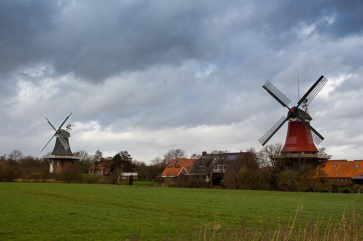 Zwillingsmühlen vor den Toren von Greetsiel