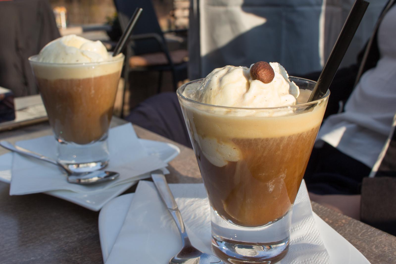 Rebert, Elsass, Macarons, Bad Bergzabern, Pfalz, Südpfalz, Südliche Weinstraße, Kaffeefleck, Café