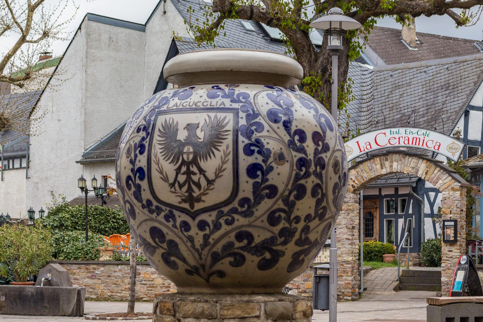 kannenbäckerland, #visitkeramik, Höhr-Grenzhausen, #RLPerleben, Ton, Keramik, Keramikkunst, Künstler, Manufaktur, Töpfern, Künstlergasse
