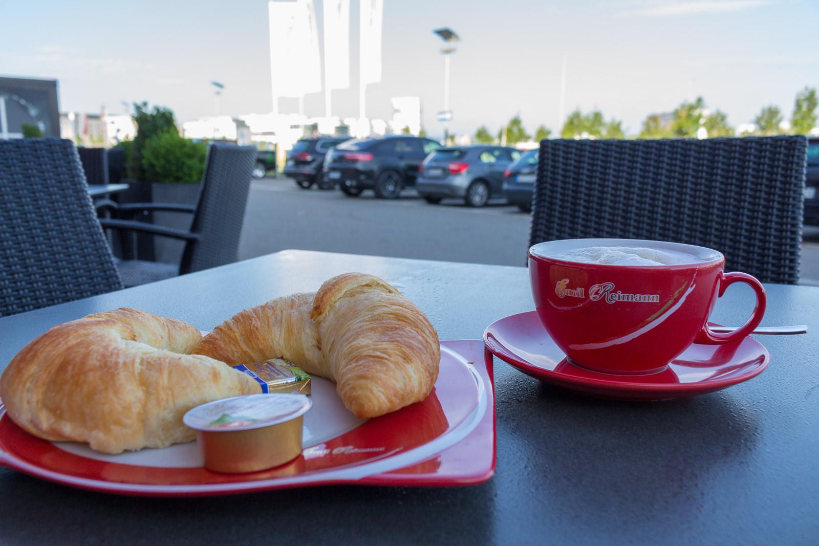 V8 Hotel, Stuttgart, Themenzimmer, Themenhotel, Automobilliebhaber, Autofreaks, Motorworld