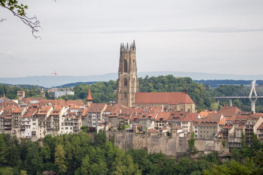 Freiburg in wenigen Stunden - Günstig unterwegs mit der Fribourg ...