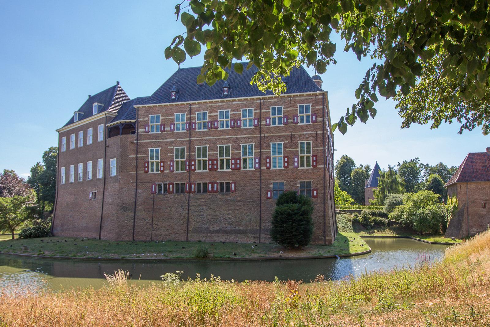 Kastell Schloss Huis Bergh