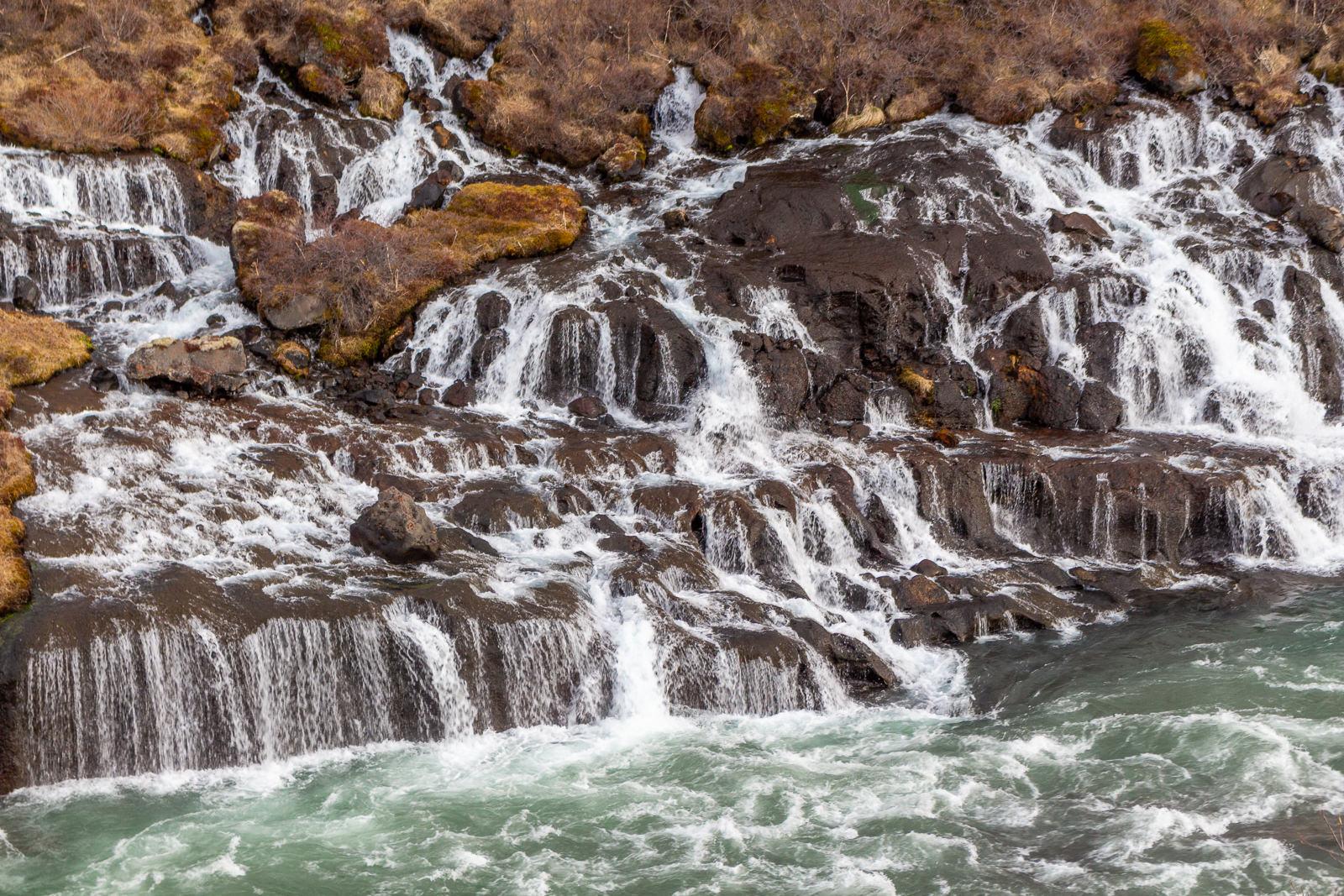 island, Wäre es nicht so windig, könnte man mich bei den Wasserfällen parken