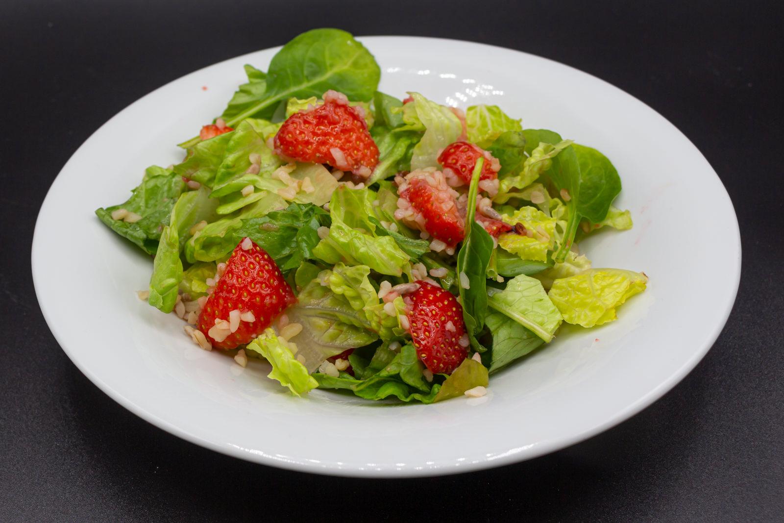 Erdbeer-Feta-Salat aus Griechenland!